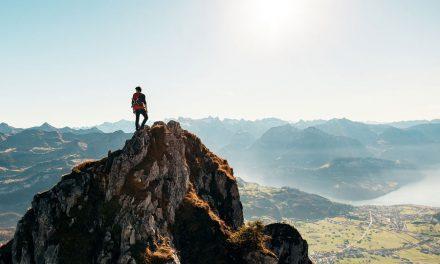 Trekking : entre activité sportive et activité de découverte lors d'un voyage
